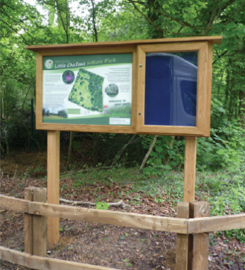 NOTICEBOARDS & POSTER CABINETS